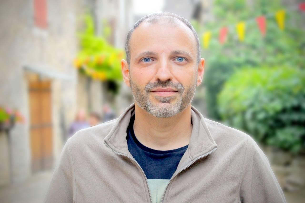 David Terrón Pla, Graduado en Gestión de Empresas en Comercio y Distribución por ESCODI